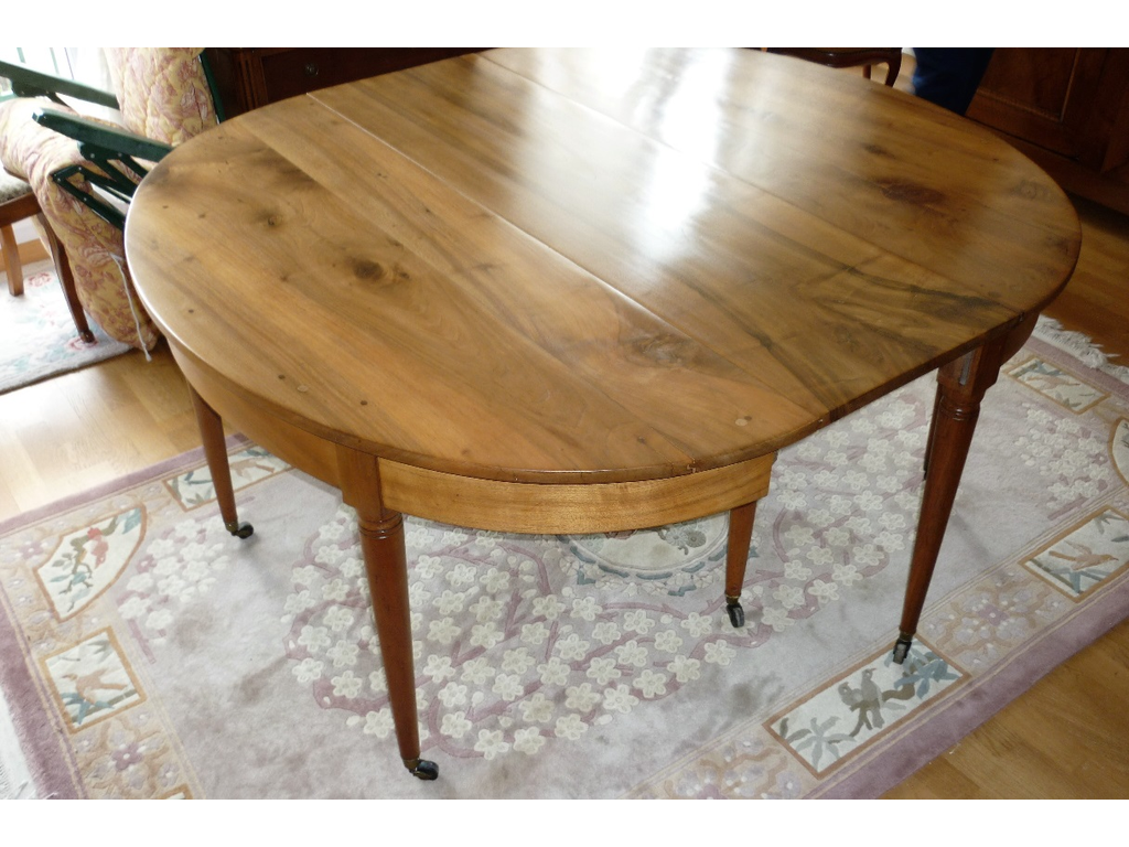 Restauration table en Noyer